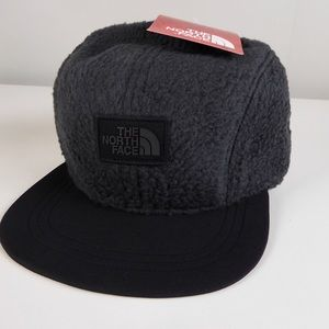 The North Face Sherpa Fleece Crusher Hat NWT Gray